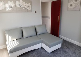 Photo 2 - Somerset House Apartments