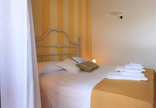 Photo 2 - Bellasirmione Holiday Apartments