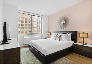 Photo 2 - Furnished Quarters at 777 Sixth Avenue