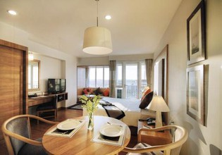Photo 3 - Classic Kameo Hotel & Serviced Apartment, Rayong