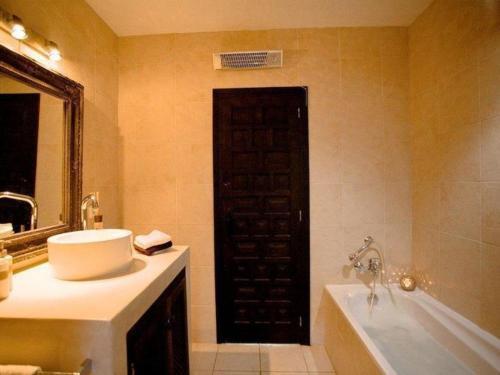 Foto 3 - Cozy Villa with Private Pool in Sant Agusti des Vedra