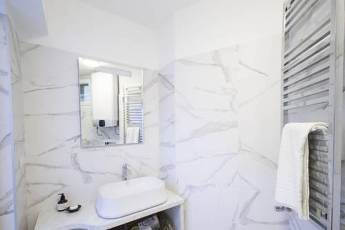 Photo 22 - Marvel Apartment