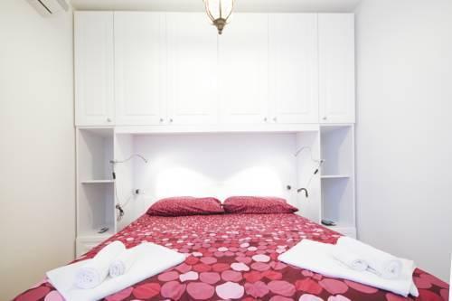Photo 3 - Marvel Apartment