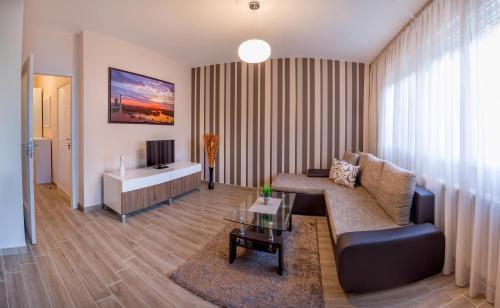 Photo 1 - Feel Belgrade Downtown Apartment