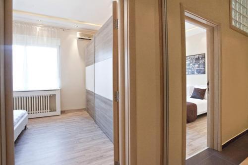 Photo 2 - Feel Belgrade Downtown Apartment