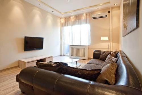 Photo 3 - Feel Belgrade Downtown Apartment