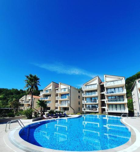 Photo 1 - LEEA Apartments