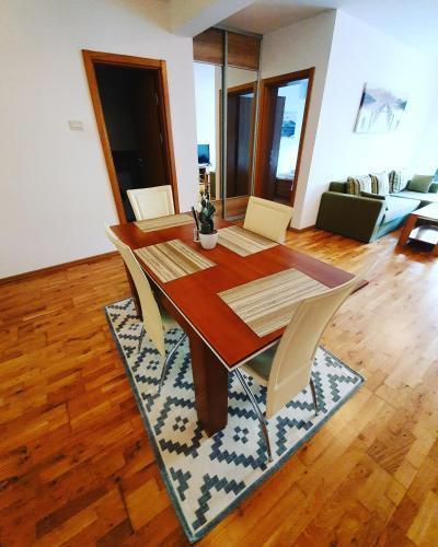Photo 32 - LEEA Apartments