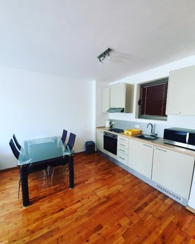 Photo 9 - LEEA Apartments