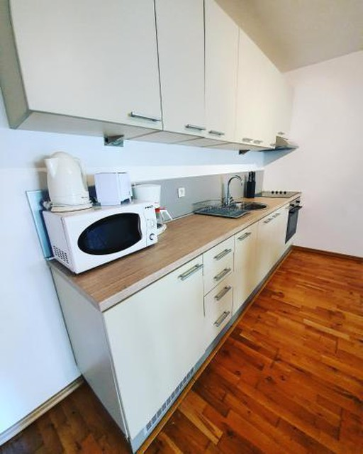 Photo 6 - LEEA Apartments