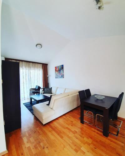 Photo 36 - LEEA Apartments
