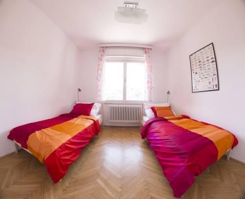 Foto 1 - Ebony Pianino Apartment