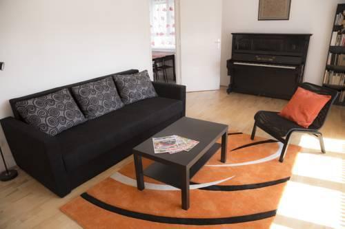Foto 11 - Ebony Pianino Apartment