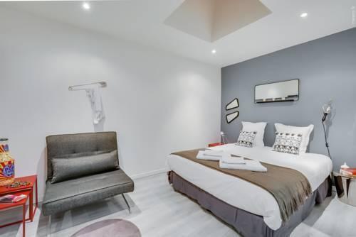 Photo 20 - Tour Eiffel - Luxury Studio Flat