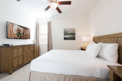Photo 9 - Mandrake 211M Five-Bedroom House