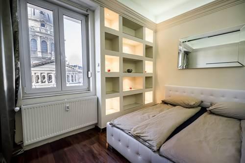 Photo 13 - Basilica View Luxury Apartment Budapest