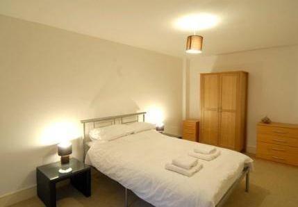 Photo 2 - Base Serviced Apartments - Cumberland Apartments