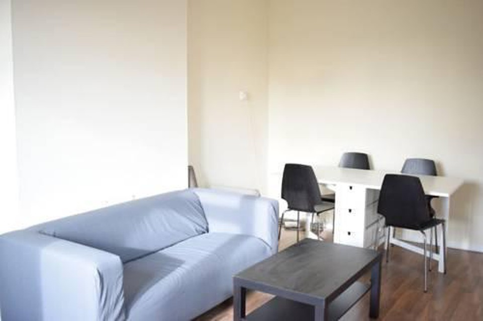Foto 16 - New Renovated & Spacious 4-Bed Apartment
