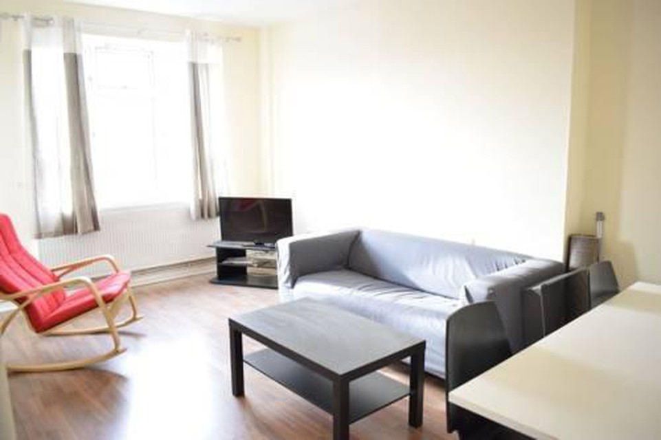 Foto 9 - New Renovated & Spacious 4-Bed Apartment