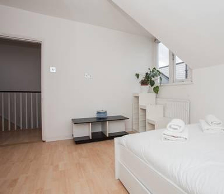 Foto 3 - Amazing 2-Bed Just Minutes From Paddington
