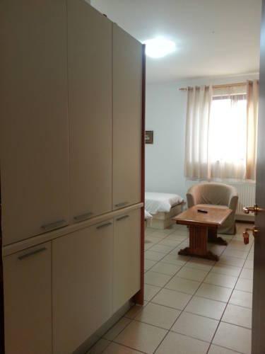 Photo 6 - Banu Manta Apartments