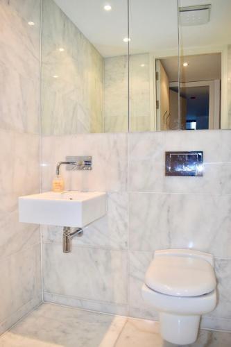 Photo 17 - 3 Bedroom Apartment in Dublin Docklands