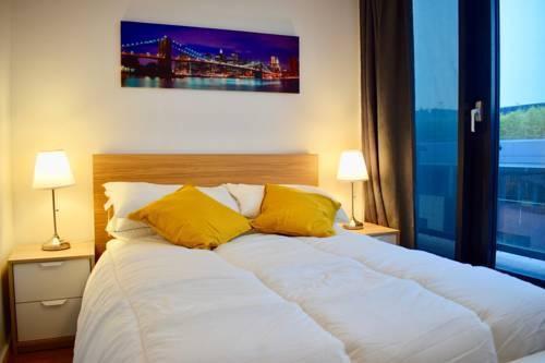 Photo 16 - 3 Bedroom Apartment in Dublin Docklands