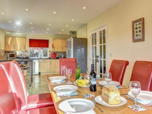 Photo 10 - Holiday Home Cwm Tawel