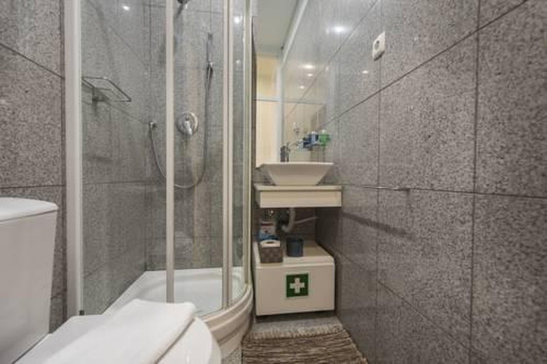 Foto 6 - LovelyStay - Downtown 2Bedroom Wonder