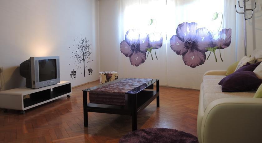 Photo 3 - Teatro Apartaments