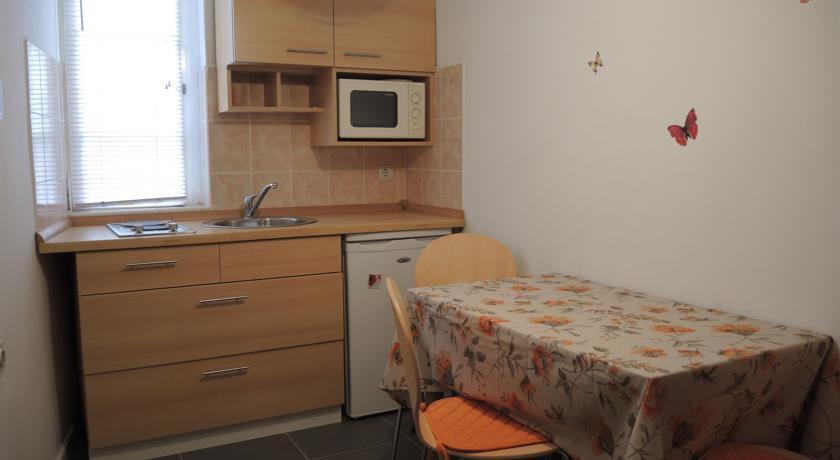Photo 2 - Teatro Apartaments