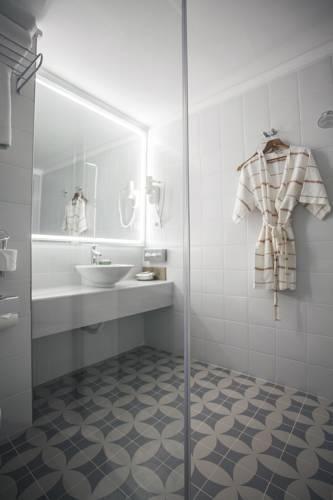 Foto 21 - Armada Apartment