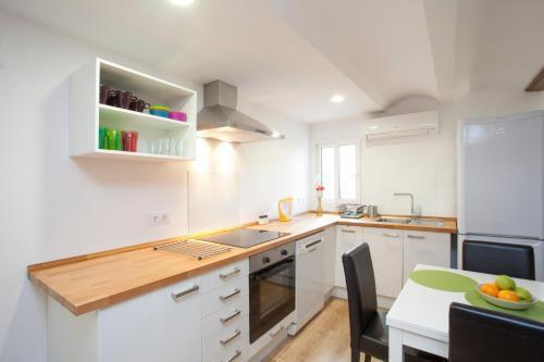 Photo 8 - Singular Apartments Station