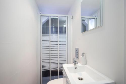 Photo 24 - Singular Apartments Station