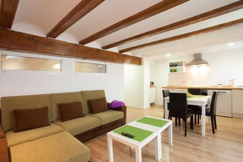 Photo 15 - Singular Apartments Station