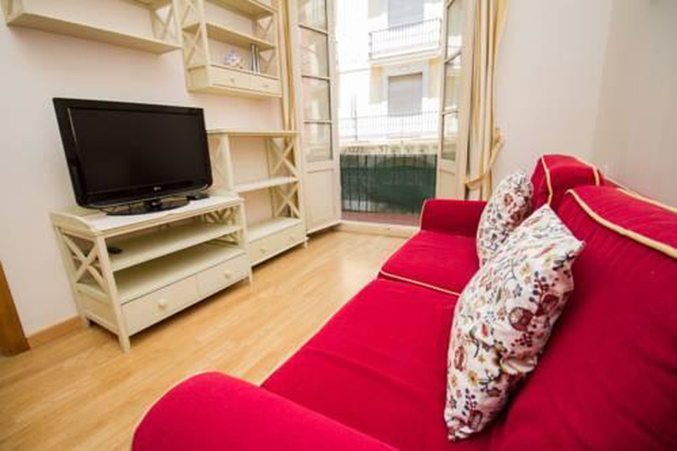 Foto 7 - Perfect and Shiny Apartment with Balcony