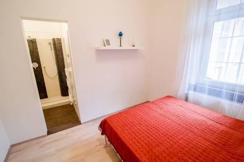 Photo 3 - B32 Gellért Apartment
