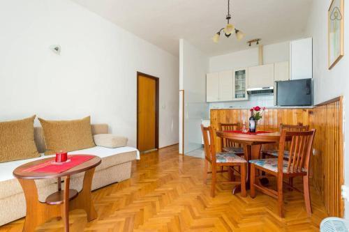 Photo 36 - Apartment Flora
