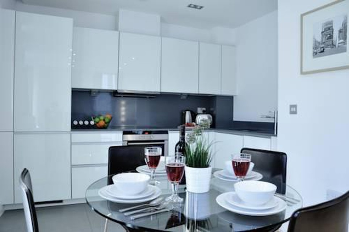 Photo 10 - London City Apartments