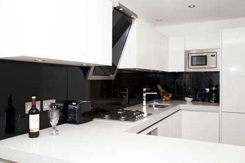 Photo 13 - London City Apartments