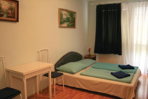 Foto 10 - Mary-Ann Non-Stop Apartments
