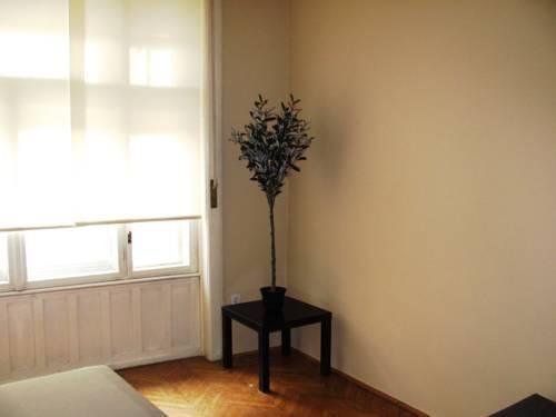 Photo 19 - Premier Central Apartment