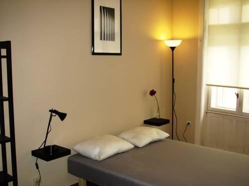 Photo 2 - Premier Central Apartment