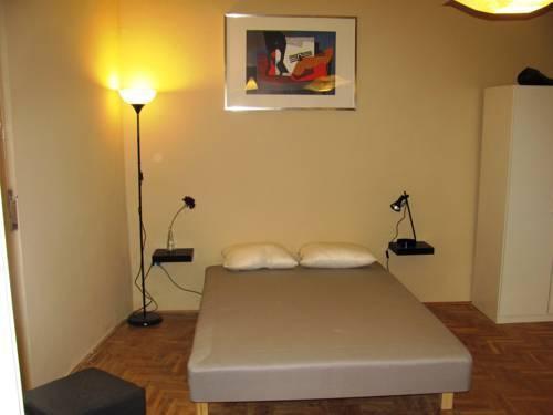 Photo 8 - Premier Central Apartment
