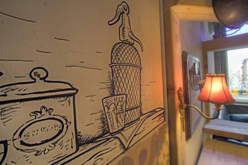 Photo 38 - Lavender Circus Apartments