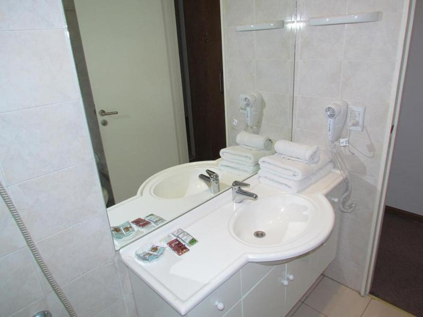 Photo 40 - Callao Plaza Suites