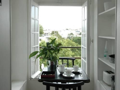Photo 21 - Mithouard Apartments