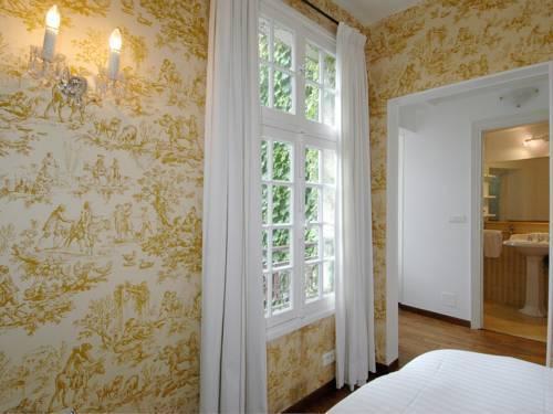Photo 35 - Mithouard Apartments