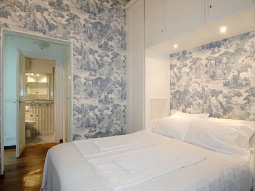 Photo 3 - Mithouard Apartments