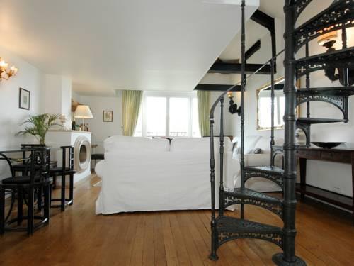 Photo 24 - Mithouard Apartments